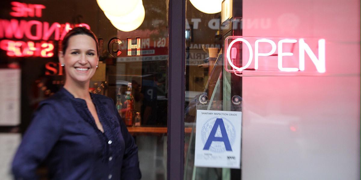 Clarisa-Penzini-The-Sandwich-shop