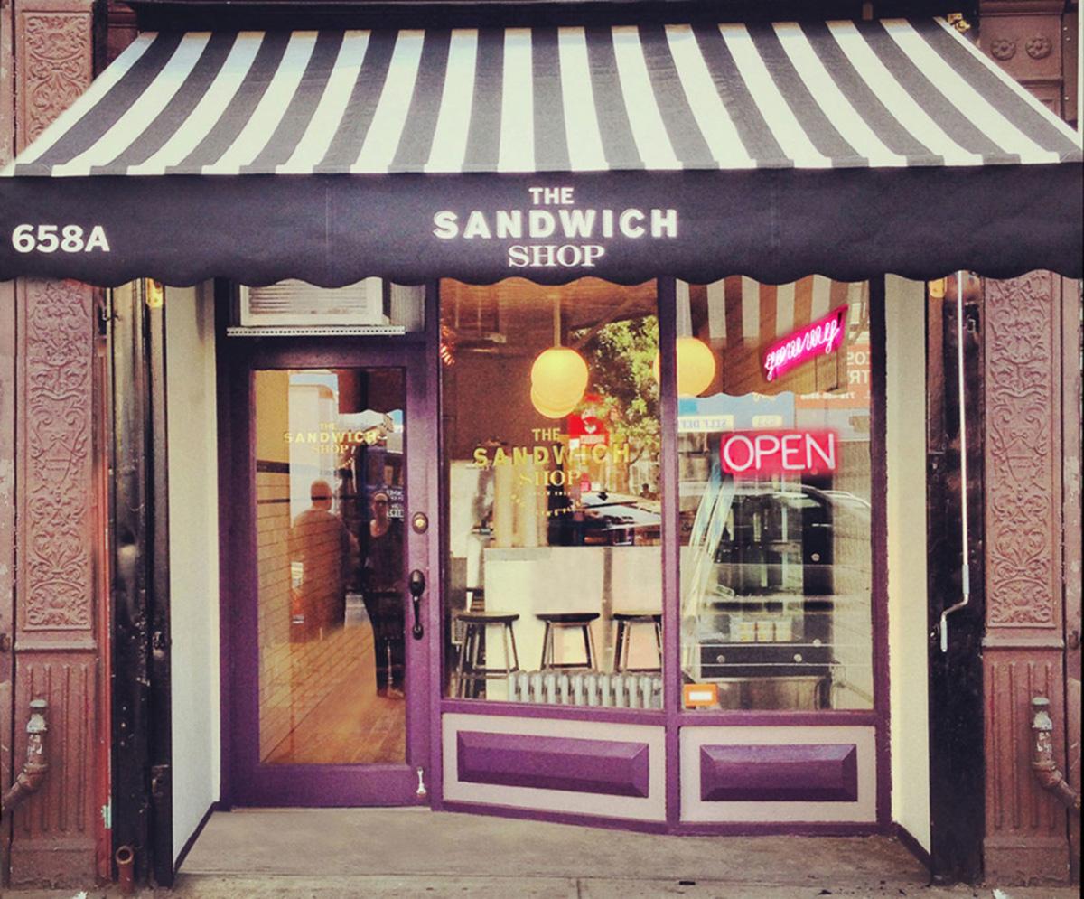 the sandwich shop fachada