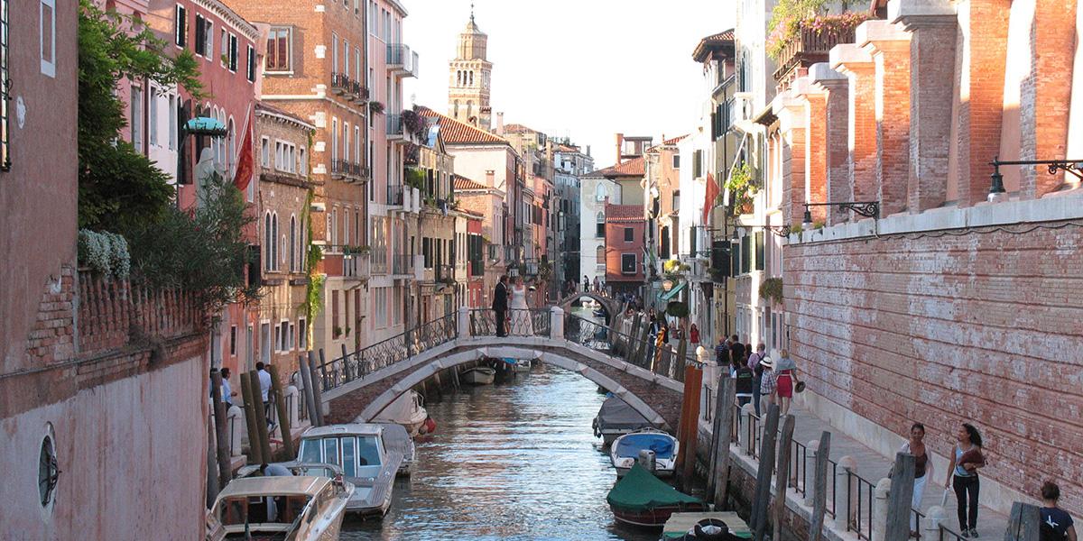 venecia-puente-sobre-canal