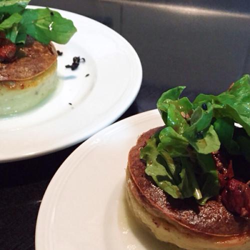 Receta vegetariana: soufflé de calabacín & mousse de queso azul