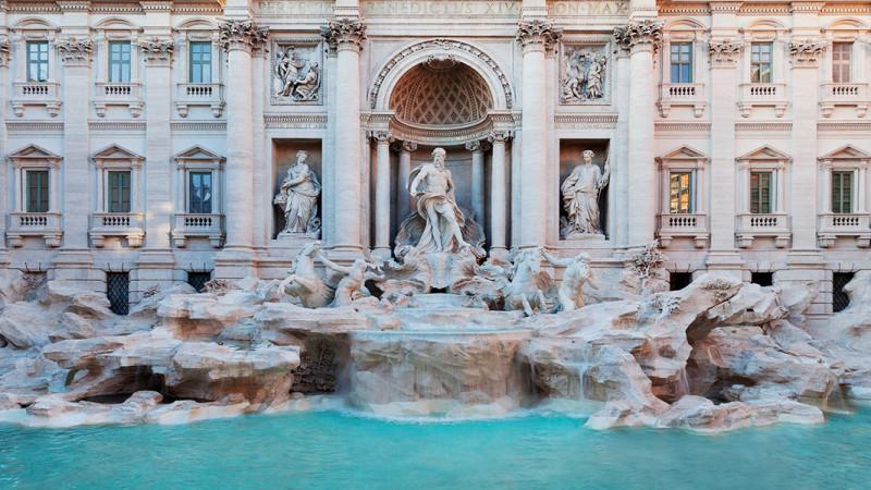 La-Fontana-di-Trevi-restaurada-por-Fendi