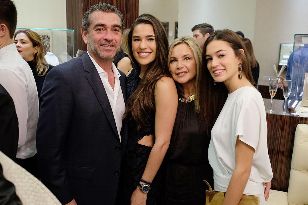 Daoro-Miami-Leo,-Sharon,-Amy,-&-Ashley-Istambouli