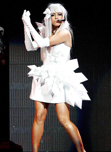 En 2008 había nacido una estrella. Una que adoraba los vestidos de origami.