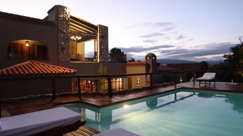 kkala hotel piscina