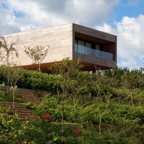 Residencia CT, un arca enclavada en el calor de Bragança