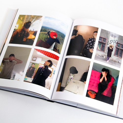 Devendra Banhart presenta su libro en Casa Bosques, Ciudad de México