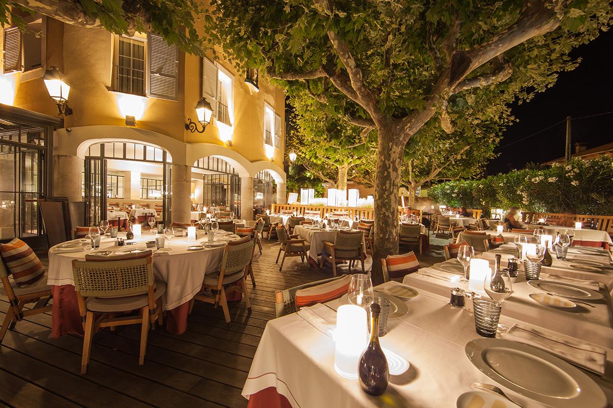 Hotel-Byblos-Le-Rivea-restaurant