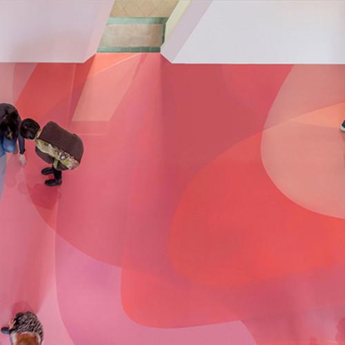 La colorida obra de Peter Zimmermann en el Museum für Neue Kunst de Alemania