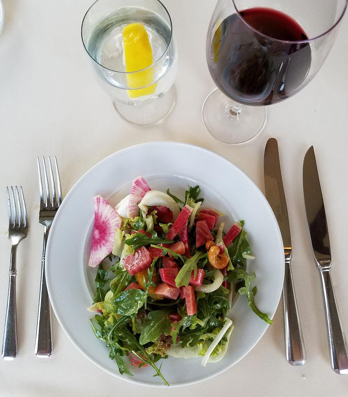 Lolas-on-the-lake-salad