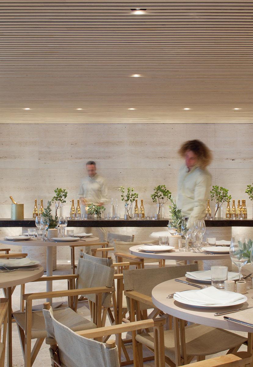 Forte-dei-Marmi-Dining-Room-with-People-Karen-Fuchs