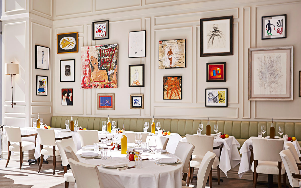 La-Petite-Maison-Dining-Room-by-Michael-Pisarri