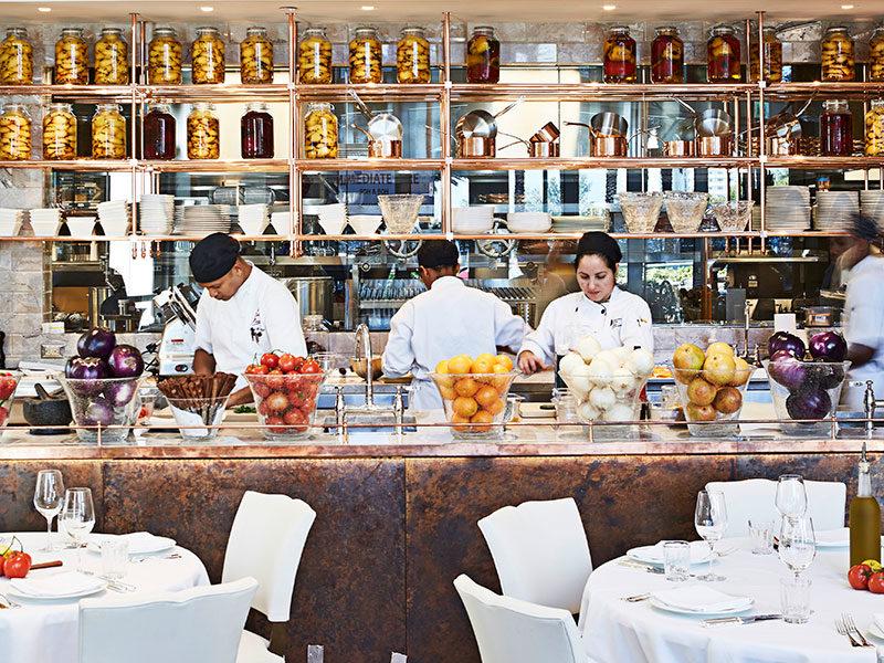 La-Petite-Maison-Miami-kitchen