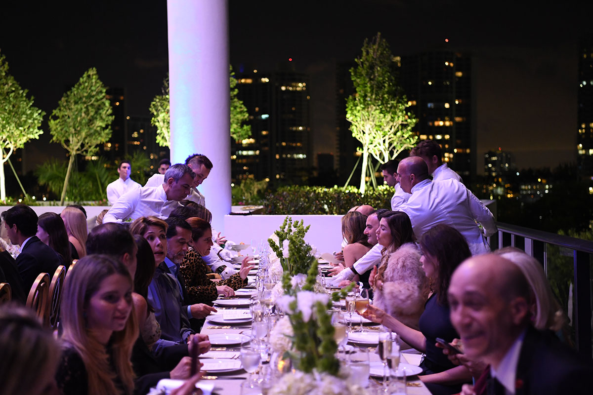 Degrisogono-Daoro-Miami-dinner-al-fresco
