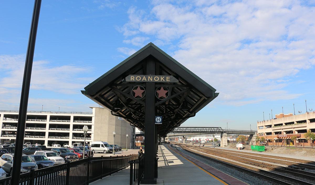 Roanoke-Amtrack-train-station