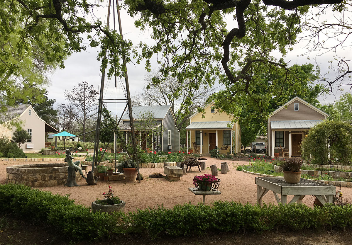 Fredericksburg-Herb-Farm