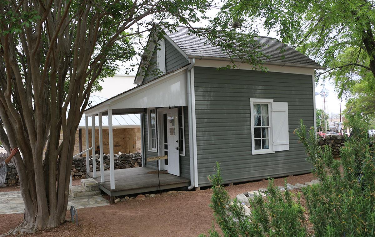 Fredericksburg-Texas-sunday-house