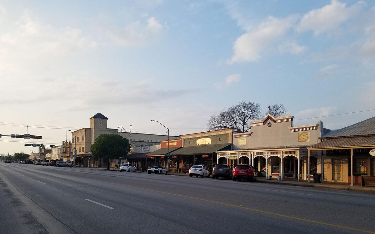 fredericksburg-texas-main-street