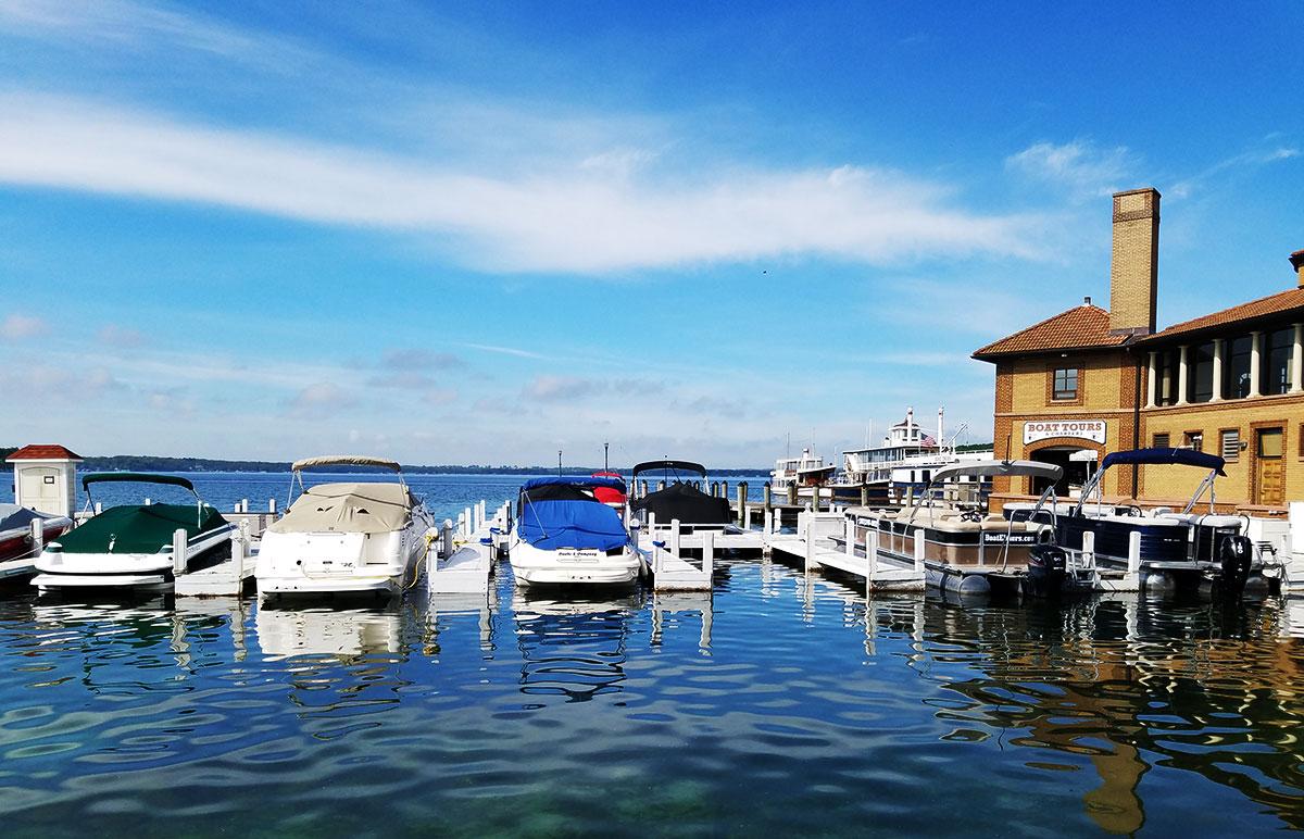 Lake-Geneva-boats