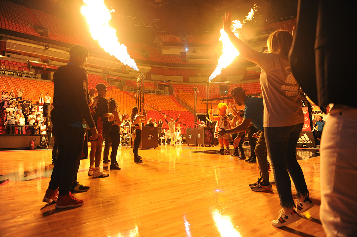 Lgends-Court-Miami-Heat-welcome-fire