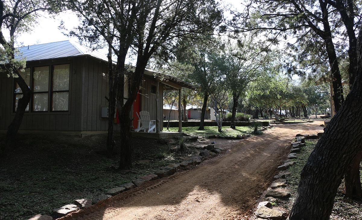 Texas-Canyon-of-the-Eagles-cabanas
