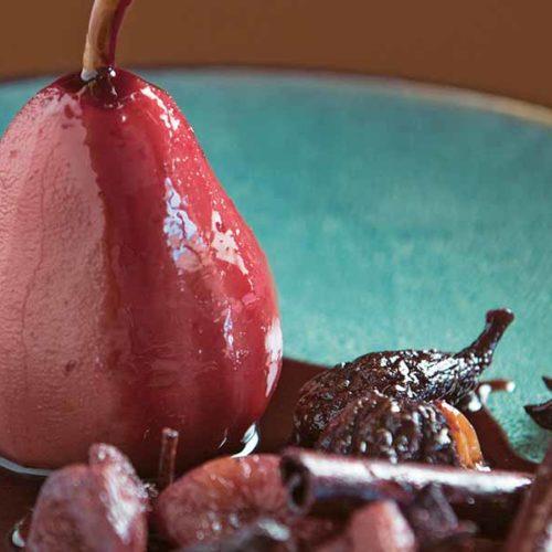 Receta de peras cocinadas con especies del Medio Oriente