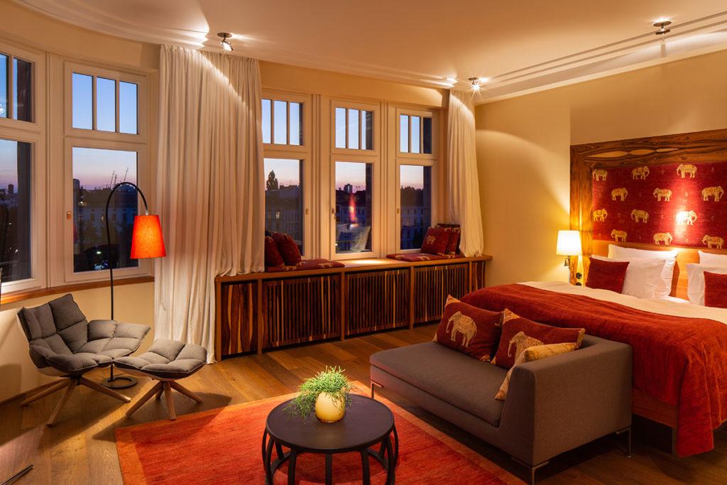 Orania.86-bedroom-by-Fridolin-Full