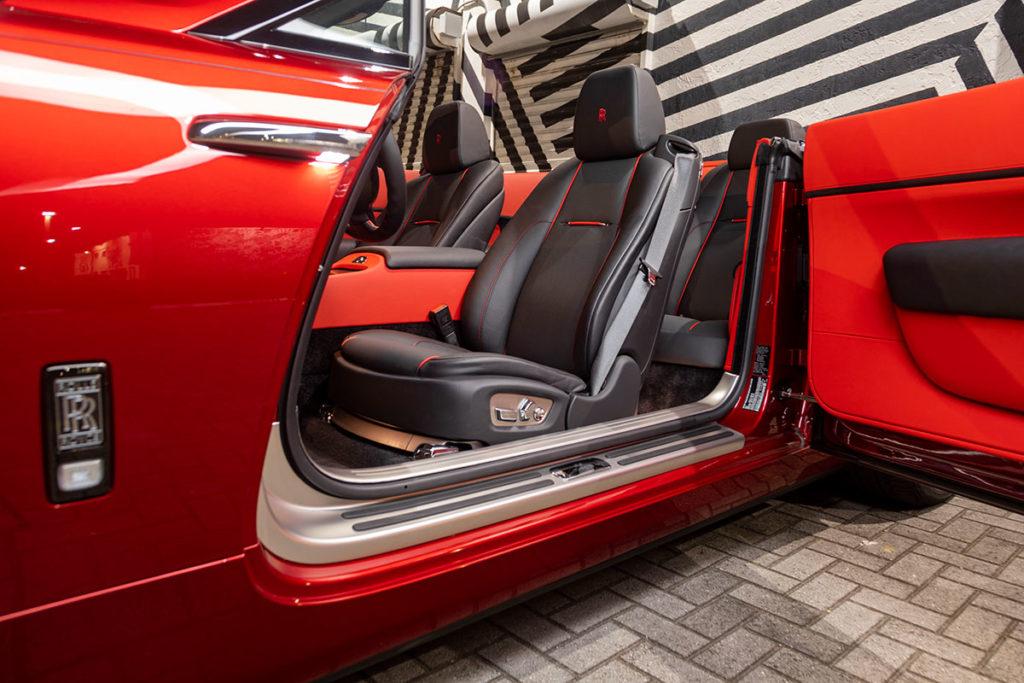 RR-black-badge-dawn-interior