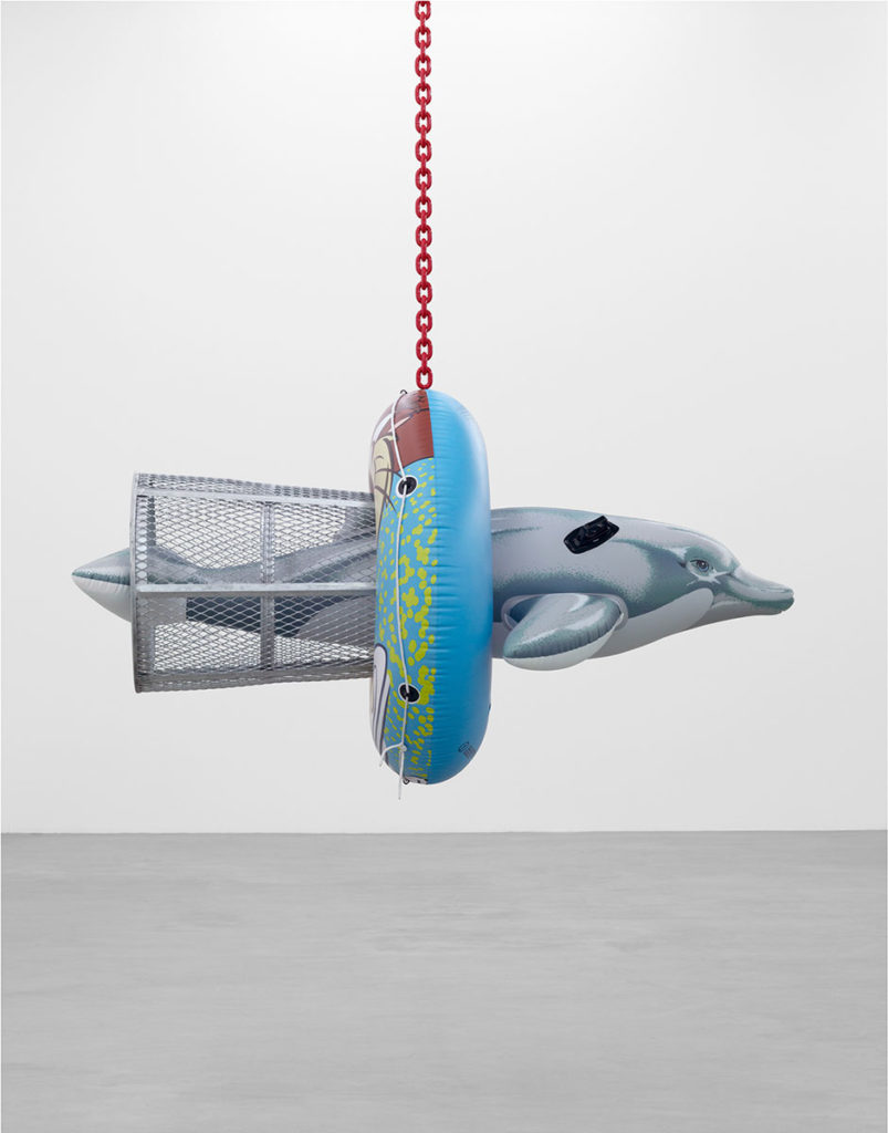 Jeff-Koons-Dolphin-Taz-Trashcan,-2007-2011,-polychromed-aluminum,-galvanized-steel,-coated-steel-chain-Photo-Marc-Domage