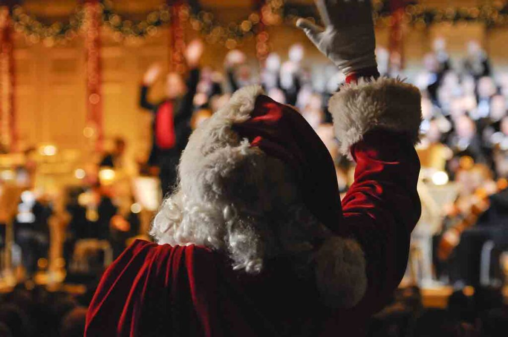 Santa-makes-a-welcome-appearance-at-every-Boston-Pops-Holiday-Performance-(Stu-Rosner)