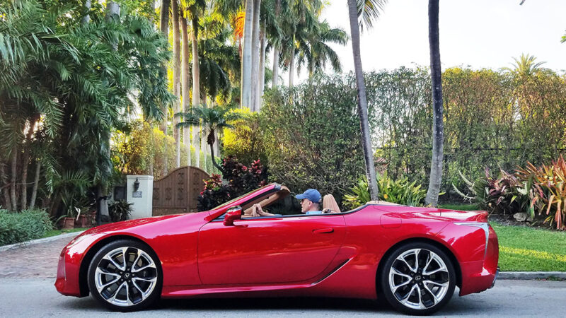 Lexus-LC500-convertible-2021-Miami-Beach
