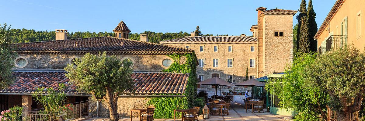 Dos espectaculares hoteles para veranear en la Provence